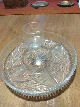 Copetinero de semi cristal, para servir a un amigo