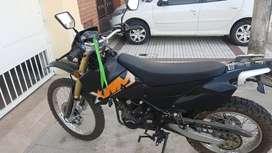 VENDO MOTOMEL XMM 250.