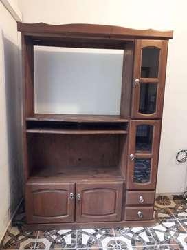 Mueble de pino pintado para tv, living.