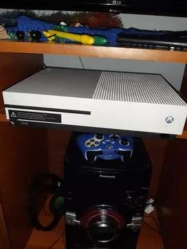 Xbox one +130 juegos+gold 1 año+diadema turtlo beach