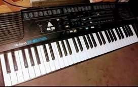vendo teclado roland e-16