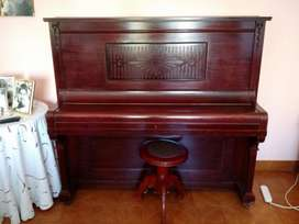 Excelente Piano Aleman