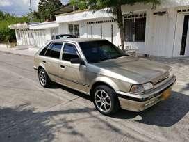 Se vende Mazda 323 HS modelo 1993