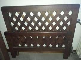 cama de 1 plaza de madera dura
