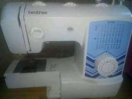 Hermosa maquina de coser