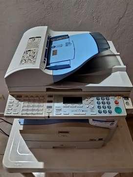 Vendo fotocopiadora con poco uso