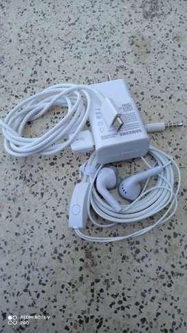 Vendo cargador Samsung tipo C y auriculares Samsung del A51 doble carga