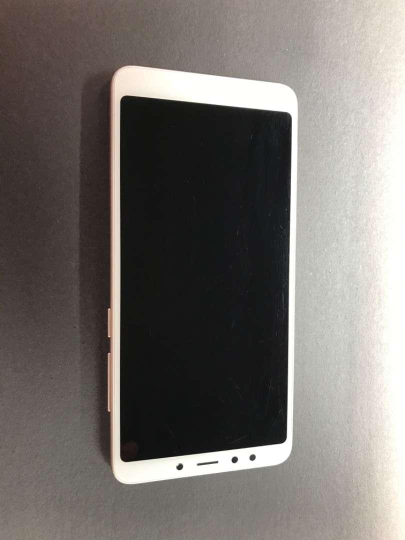 Xiaomi Redmi 5 en buen estado 0