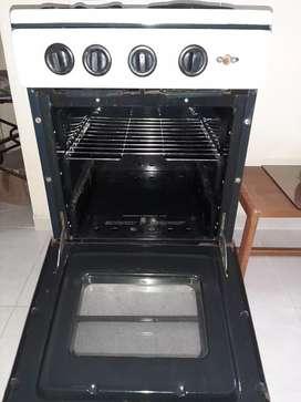 Se vende estufa mixta con horno a gas