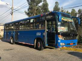 En venta Hino Ak año 2011 carroceria Patricio Cepeda, con acciones y derechos en la Compañia Quitumbe.