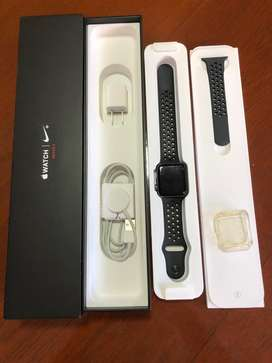 Apple watch Serie 3 Nike , 42mm, 16gb .. Impecable Escucho oferta Razonable