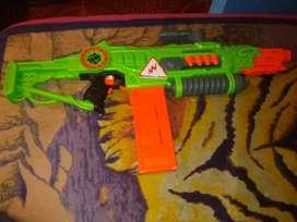 Vendo pistola nerf revoltinaitor