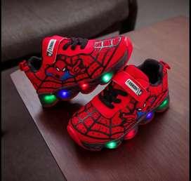 Zapatos de spaiderman suela de luces importados