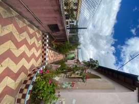 Hermosa casa esquinera en Guaranda
