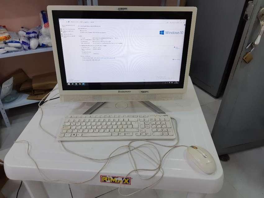 Computador Lenovo Todo en 1 Tactil negociables 0