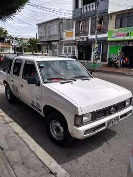 Vendo camioneta ,placa blanca con trabajo