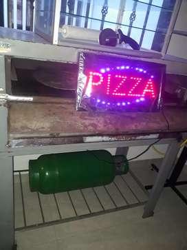 Se vende equipo de pizzería económico..