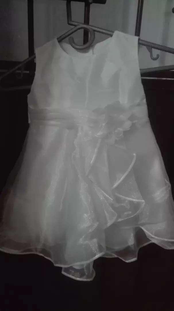 Vendo vestido de bautizó  talla 24-meses buen estado 0