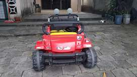 Vehículo a batería para niños