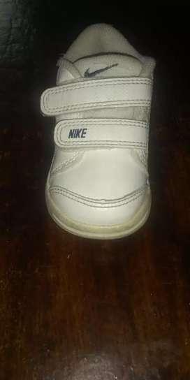 Vendo o cambio zapatillas de nene