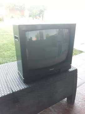 Televisor PHILCO color binorma modelo 20B 19RC,