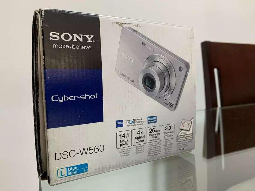 Cámara Sony Cybert-shot Dsc-w560 14.1 Mp 0