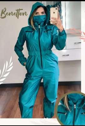 Overoles y chaquetas antifluido