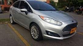 Vendo Ford Fiesta Full Sedan