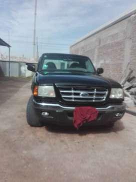 Se vende camioneta ford ranger.