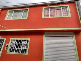 Casa bien hubicada de dos pisos