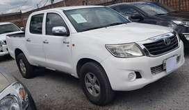 Vendo o Cambio Toyota Hilux 2012 precio 19999