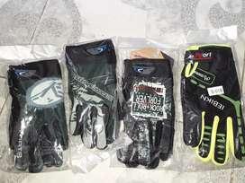 Se venden guantes de bicis.