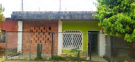 Se vende casa con bases para un segundo piso tiene media plancha fundida está para terminar