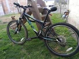 Bicicleta GT 21 velocidades, aro 24