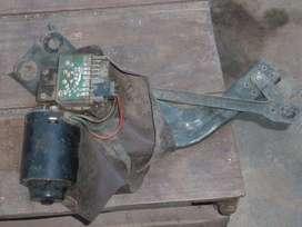 4 Limpia parabrisas y motores. Juntos o separados