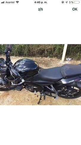 Moto pulsar Negra 160NS Modelo 2019 con papeles hasta 2021
