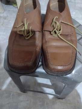Se vende zapatos talla42