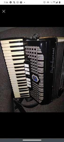 Vendo o permuto Acordeon Paolo soprani 120 bajos
