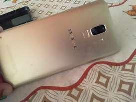 Vendo celular j8