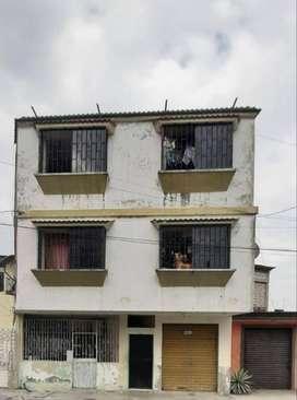 Venta Casa Rentera en Sur Oeste(Portolisa) 5 Departamentos, Local Comercial