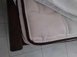 Vendo somier de madera rústica y colchón