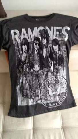 Camiseta de la iconica Banda Ramones