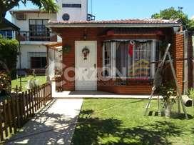 Pedro Díaz, Hurlingham - Casa en venta cuatro ambientes