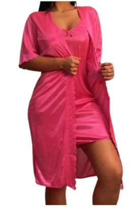 Pijama con Levantadora en Satín