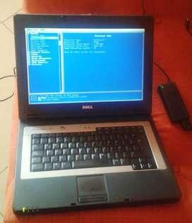 LAPTOP DELL INSPIRON 1300 CELERON M 512 MB HDD 40GB USADA DAÑADA SE PUEDE REPARAR