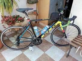 Vendo-permuto Bicicleta Rutera Slp Comet