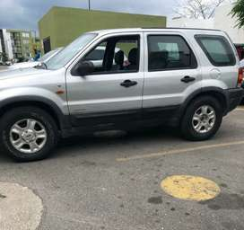 VENDO FORD ESCAPE 2.002