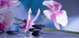 Cómo hacer un masaje relajante con piedras calientes