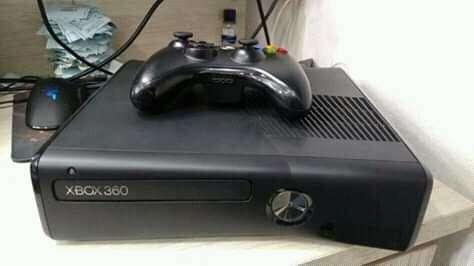 Xbox 360 slim 0
