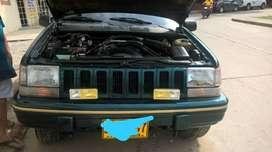 Vendo Jeep Grand Cherokee 5.2lt V8 / 1995